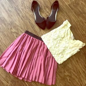 H&M pleated pink skirt